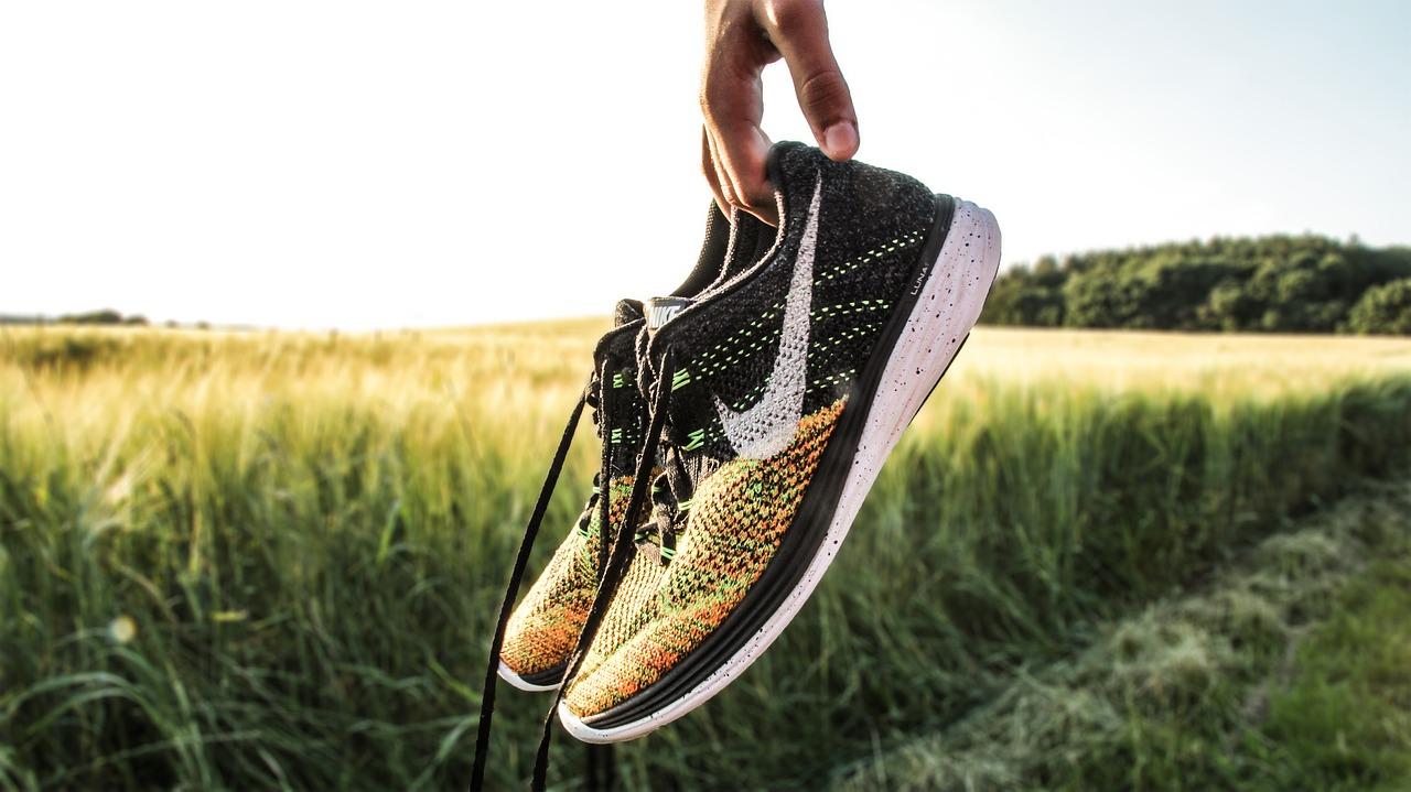 Best Nike Running Shoes For Flat Feet - Run, Sprint, Marathon
